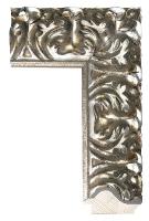 Srebrna rama drewniana z dekoracyjnym rzeźbieniem